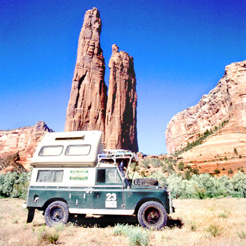 Land Rover camping Spider rock in Canyon de Chilly