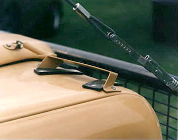 Camel Trophy Land Rover shovel mount